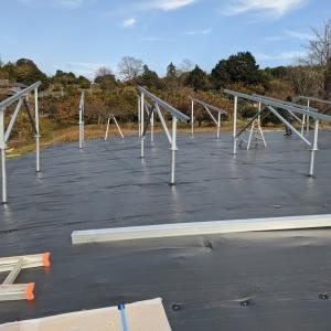 プチ太陽光案件 アルミ架台の組み立てを見学してきました。