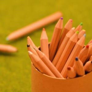 磁石ペンのおえかきボード 絵&伝言&勉強で活躍中です