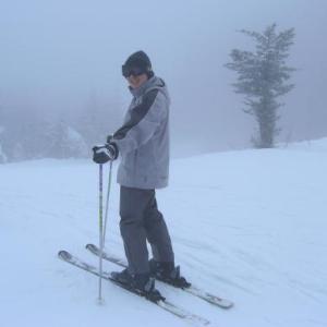 スキー行きたい。まだ早い。