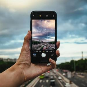 携帯株は長期的に下落すると思う