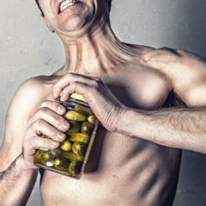 なぜうつ病になると体重が増えるの?20kg増えたうつ病当事者が解説