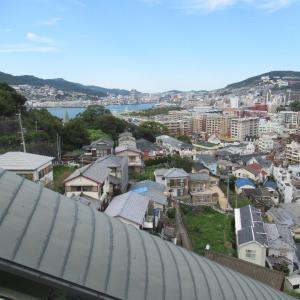 日本初、公道の斜行エレベーターと垂直エレベーター、グラバースカイロード。