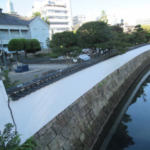 出島は、江戸幕府の排外主義政策の一環として築造された人工島。