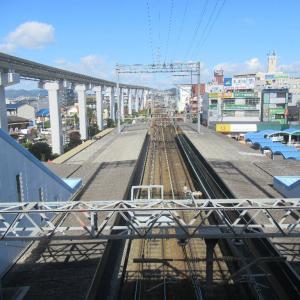 蛍池駅は、大阪府豊中市にある、阪急電鉄および大阪モノレールの駅。