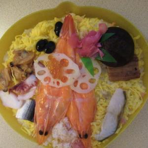 岡山名物・桃太郎の祭ずしプレミアム、新大阪で食べたっす。
