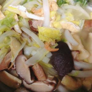 混合出汁の白菜煮込み 干しえび、干ししいたけ、かつおだし、油揚げ