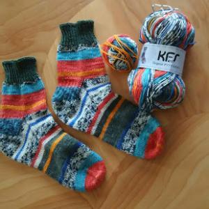 マルティナさんのKFS101の靴下出来ました/ノッティング2つ目織りはじめ