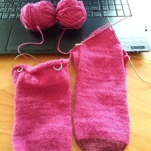 靴下編み再開