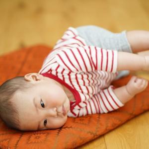 1ヶ月でこれだけ変わる!生後6ヶ月の赤ちゃん成長記録