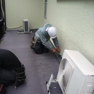 錆が始まている倉庫の波板の屋根のメンテナンス