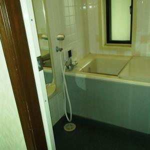 古いユニットバス 浴槽の底に穴 修理しました