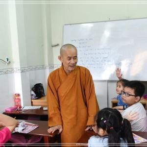 10年間無料で外国語を教え続けてきた、ホーチミン市の寺院
