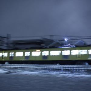 2010/3/9 雪の西武線【パンタグラフにスパーク発生】