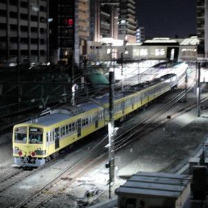 西武多摩川線新101系甲種輸送【深夜の車両交換】