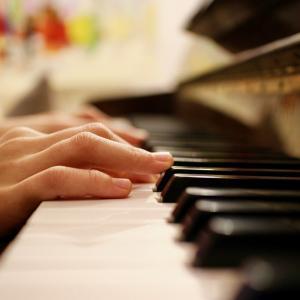 ピアノは子供の発達を強化するのか!?
