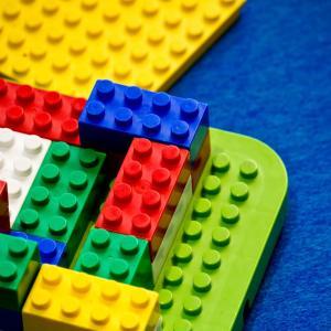 レゴブロックは、子供の宝物を作るきっかけになるか?
