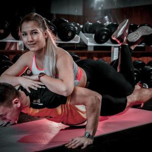 プッシュアップバーとは?大胸筋と上腕三頭筋を鍛えるトレーニングメニュー・おすすめのプッシュアップバー3選