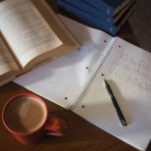 「高校生活」やたらと宿題の多い高校に通うメリット・デメリット