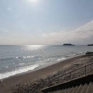 七里ヶ浜の海をながめながら娘とランチ