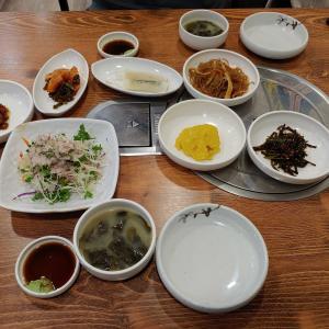 久しぶりに海産物の蒸し物を食べに行きました。