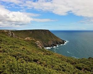 イギリスでハイキング!「The South West Coast Path」とは?