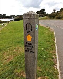 イギリス サウスウエストコーストパス プリマス付近はいろいろな標識の宝庫