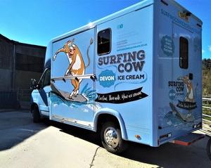 コーストパスを歩いたら立ち寄りたいアイスクリームショップ。イギリス・デボン州は乳製品で有名です!