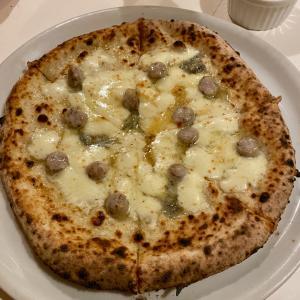 超人気店!横浜関内のピザレストラン「シシリヤ」で絶品のナポリピザ