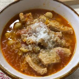 イタリアンのバルの定番のひよこ豆とトリッパのトマト煮込みの作り方