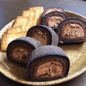 【今日のスイーツ】「お餅で巻いたもち食感ロールショコラ」ウマウマ