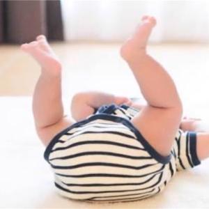 赤ちゃんは筋力が少ないのになぜ歩けるの?