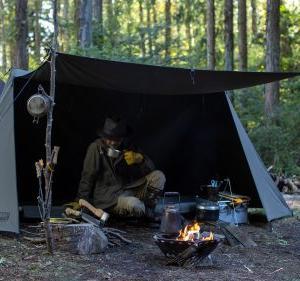 先行販売分完売 グリップスワニー初のテントはパップテント FIREPROOF GS TENT