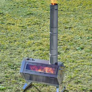 ロゴスから炎を眺められる六角形型の「LOGOS 六角薪だんろストーブ」登場