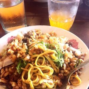 フィリピン マニラで食べられないパンシット(焼きそば)がある観光地 トゥゲガラオ