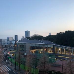 春を感じる東京の夕暮れ
