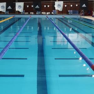 温水プールでウォーキング、膝に負担をかけずに運動した思い出