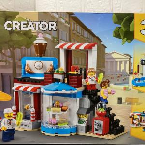 レゴ(LEGO)クリエイター ケーキショップ31077を作ってみました その3