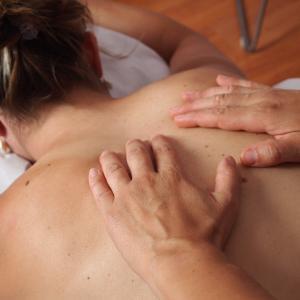 肩こりを予防・軽減するための筋トレメニュー