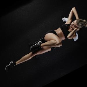 実は全身を鍛えられる腹筋ローラー!筋トレに人気・おすすめの腹筋ローラー5選
