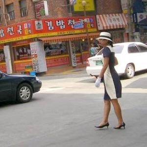 韓国の働くバイク(32) HONDA?と思えばDAELIM製、SUZUKI?と思えばヒョースンでした。