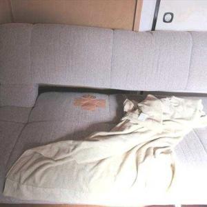 ソファーの穴