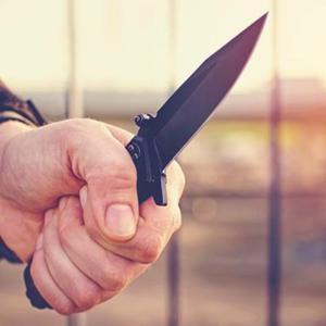 元カノの仕事中に突撃、めった刺しにして殺す男がヤバい。。