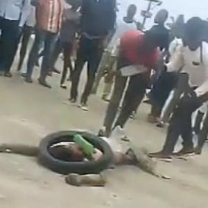 幼女を暴行した男、アフリカ名物「タイヤネックレス」の刑に