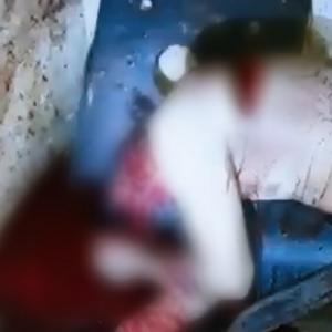 【血の海】自分の息子にマチェーテで叩き殺された父親。。