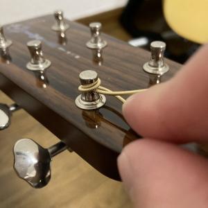 アコギの弦交換③ 〜新品の弦を張る〜