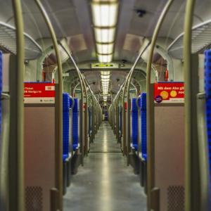 電車での暇つぶし方法7選!電車通学の大学生におすすめ!