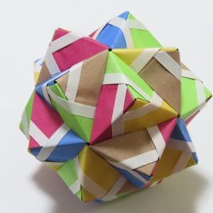 『かならず作れるユニット折り紙』より裏出しユニット2点