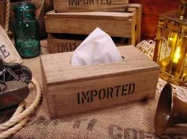 オシャレで長く使えるティッシュケースはカントリー風の木箱
