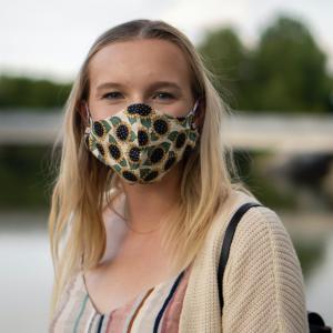 シャープのマスクは抽選はずれてばかりだしユニクロのマスクは買えないし!