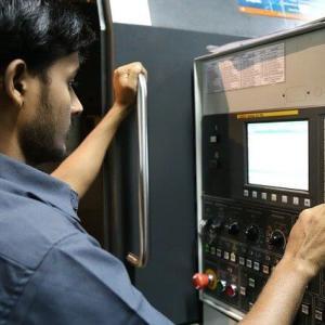 未経験からでも機械エンジニアにはなれる? |年収や必要な資格について現役機械エンジニアが解説!